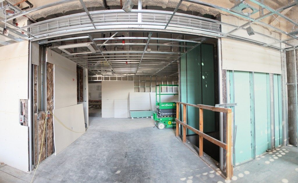 atrium E view - overhead gate 130711