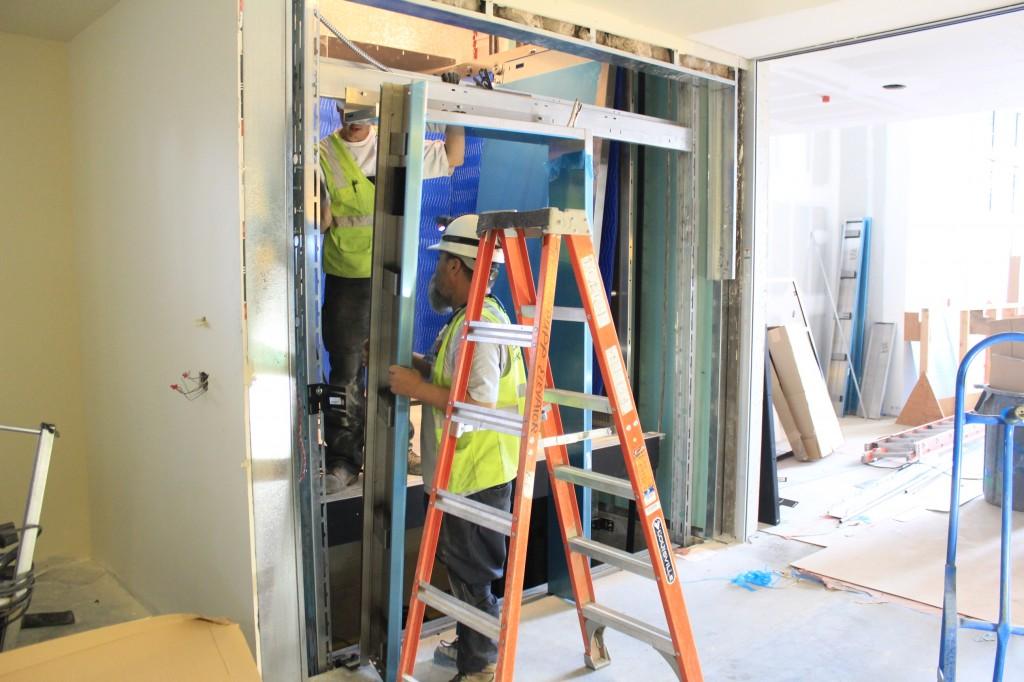 elevator door assembly