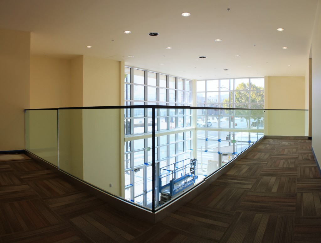 atrium second floor balcony with glass 131022
